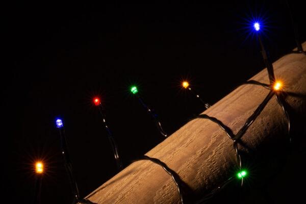 gekleurde kerstlampjes
