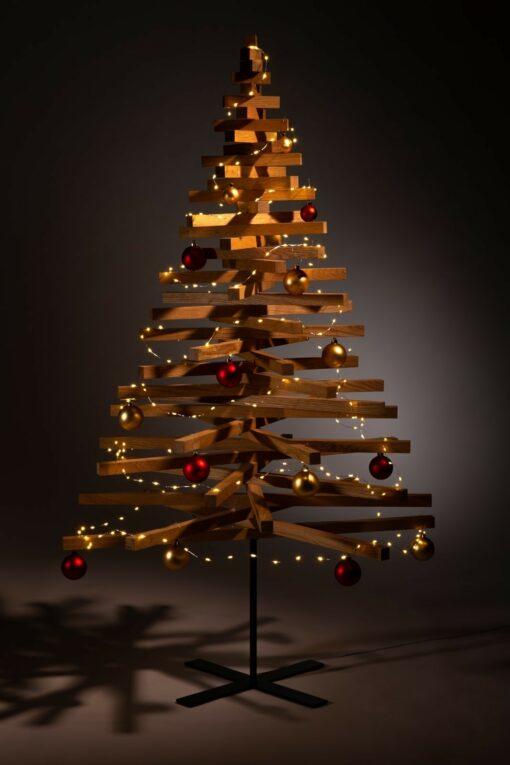 houten kerstboom decoratie kerstballen rood goud