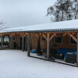 ijspegel kerstverlichting veranda