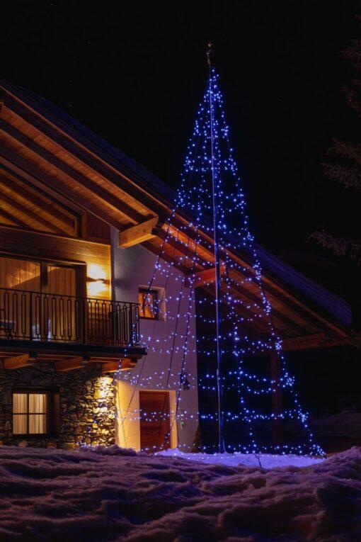 kerstboom vlaggenmast twinkly