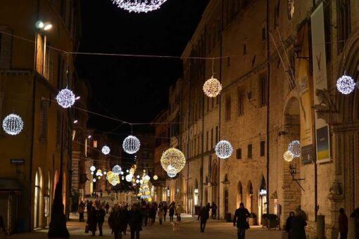 verlichte kerstballen