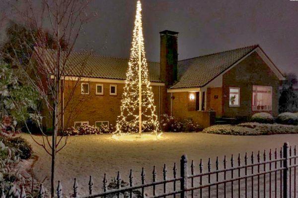 vlaggenmast kerstboomverlichting